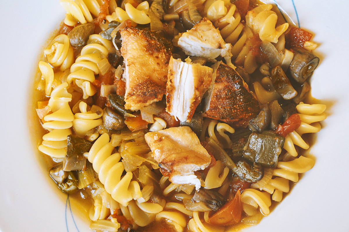 how to cook pasta and grilled chicken soup