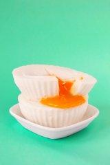چطور تخم مرغ آب پز بدون پوست درست کنیم؟